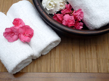 bowl_flowers_towel