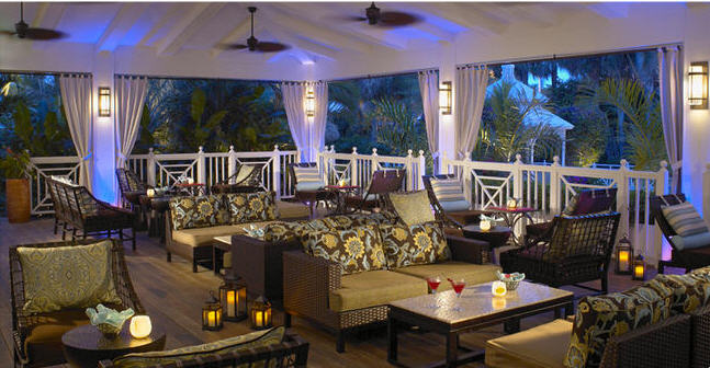 Essensia Lounge Terrace at Palms Hotel