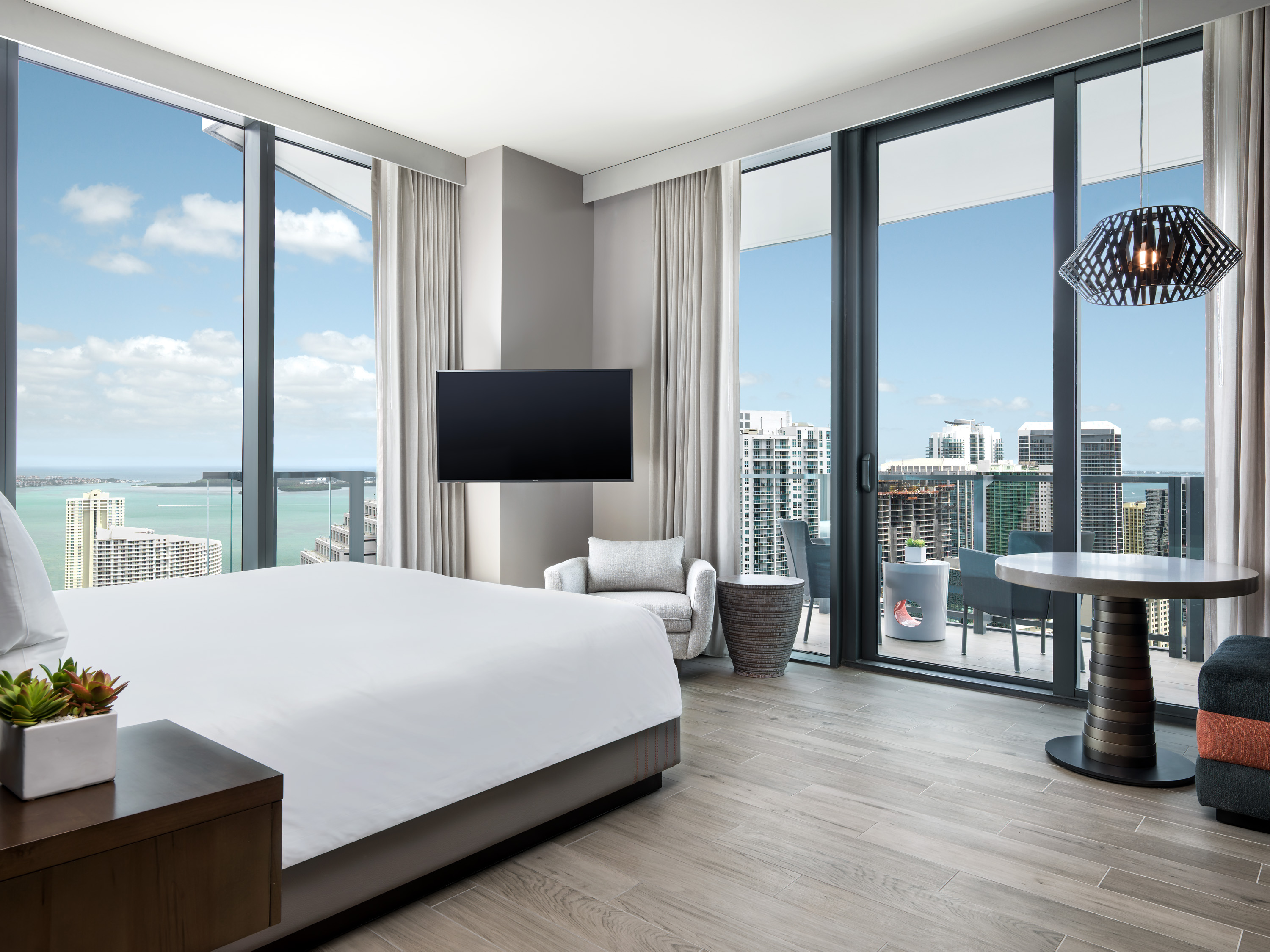 Feng shui stylings anchor east miami 39 s stunning design for Design hotel east