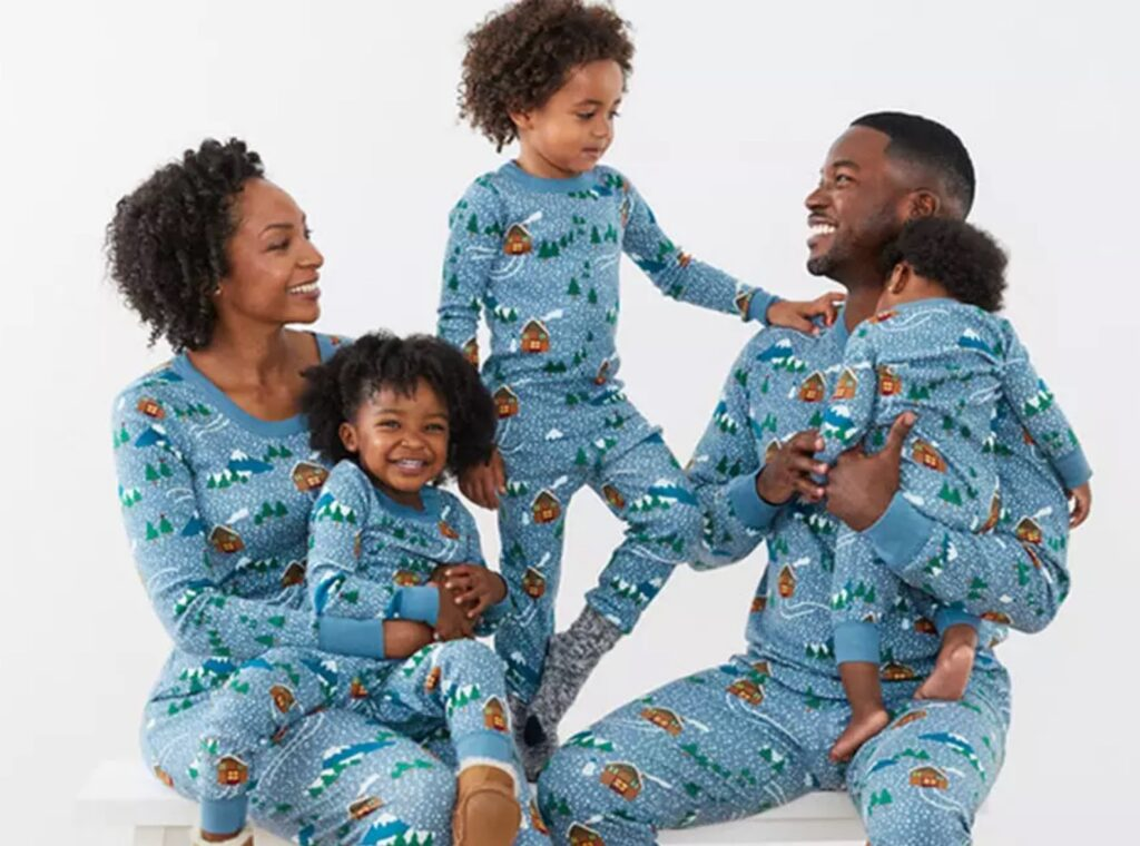 christmas-pjs-holiday-gifts