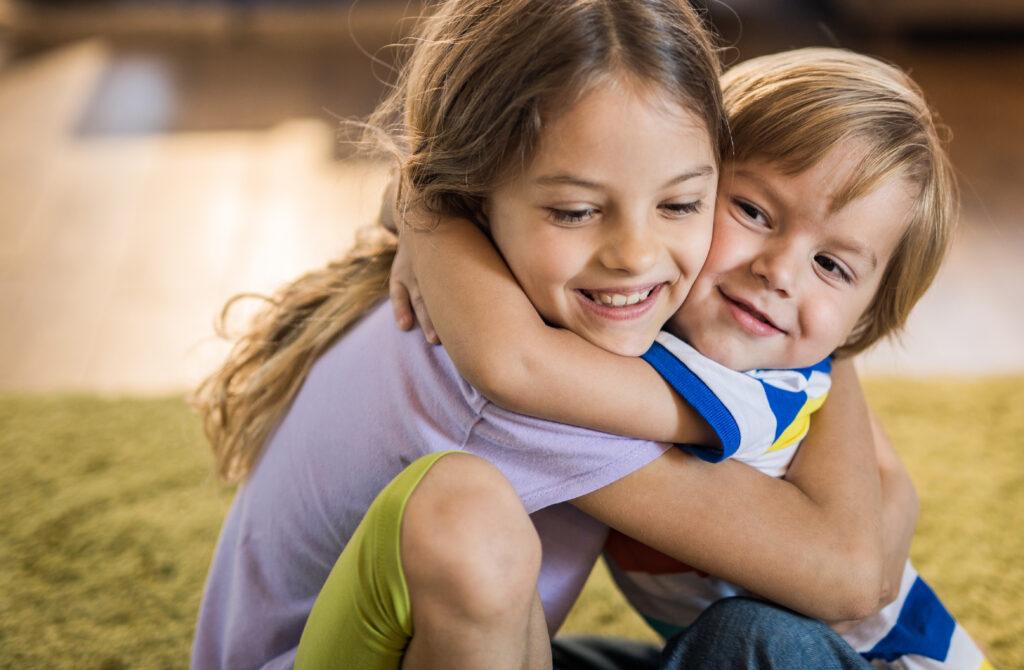 kids-showing-kindness