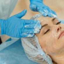 beautician-facial-salon