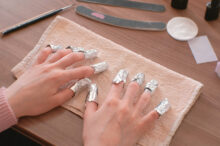 Removing-acrylic-and-gel-nails