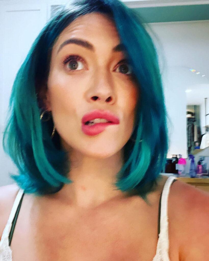 twinning-manes-and-manis-intense-blue