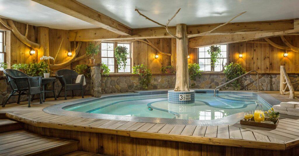 Upscale-NY-Getaway-Mirror-Lake-Inn-HotTub